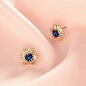 Stella & Dot Heirloom Earrings